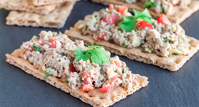 tuna fish crackers